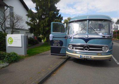hochzeitsbus-hotel-eikamper-hoehe - Kopie